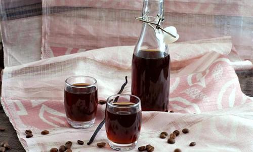 Tự pha chế rượu mùi cà phê cho Giáng sinh