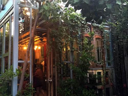 Quán cà phê không người phục vụ ở Sài Gòn