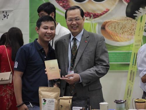 Anni tham dự Hội chợ triển lãm quốc tế về chè và cà phê Châu Á thành công