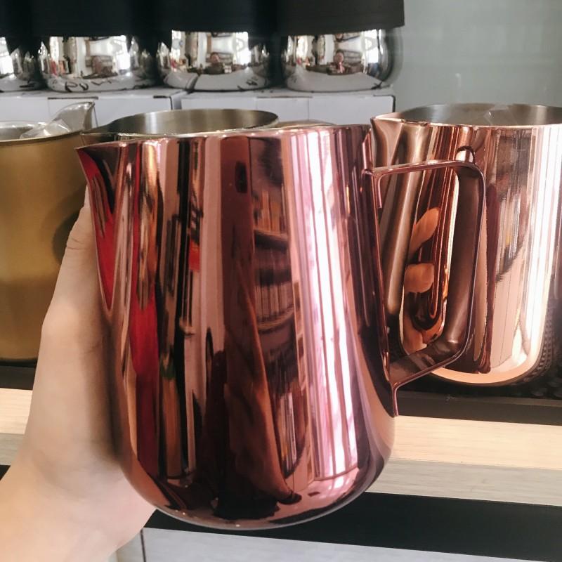 Ca đánh sữa màu hồng nhạt 600ml