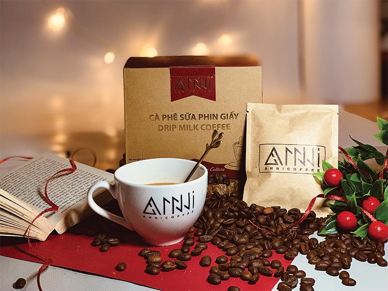 cà phê sữa đá pha trộn tỷ lệ đặc biệt hạt Robusta và hạt Arabica